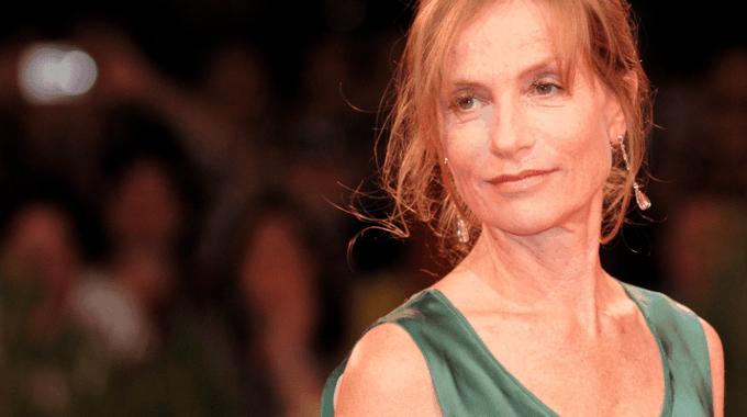 Givenchy Strikt 61-jarige Actrice Voor Hun Nieuwe Campagne
