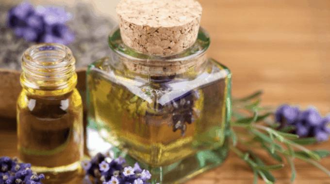 3 Essentiële Oliën Die Je Gewoon Moet Gebruiken Voor Je Huid